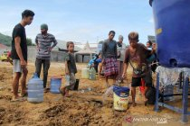 Ketersediaan air bersih bagi pengungsi korban gempa bumi di Sulawesi Barat