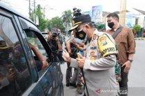Petugas gabungan sekat tiga titik masuk Kota Madiun