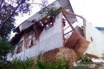BPBD Cianjur: Dua desa dilanda longsor dan angin kencang