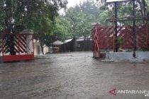 BMKG ingatkan waspadai hujan lebat disertai petir di sebagian NTT