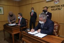 Malaysia tandatangani pembelian vaksin Sinovac dan Sputnik