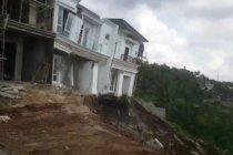 Wali Kota Bandarlampung: Evaluasi area pembangunan rumah yang longsor
