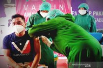 Bupati Kotawaringin Timur mengaku gugup saat disuntik vaksin COVID-19