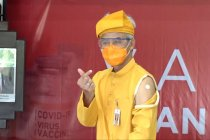 Divaksinasi tahap dua, Ganjar Pranowo buktikan vaksin aman