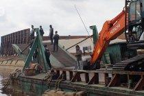 Polda Kalbar sita tongkang asal Mongolia berkapasitas 12.000 ton