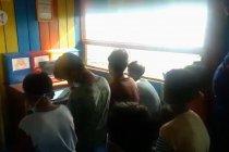 Ditpolairud Polda Kalteng fasilitasi anak pesisir belajar daring di Pondok Baca