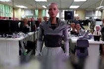 Pencipta Sophia merencanakan pasukan robot pada 2021