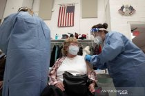 Tak ada khasiat, AS hentikan uji coba plasma darah COVID