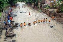 Mantan kades di Sumbawa ditemukan meninggal setelah terseret banjir