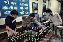 Polisi sita 117 botol minuman keras di Solo