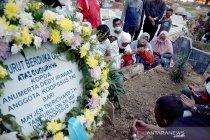 Gubernur Riau beri santunan untuk keluarga prajurit korban MIT Poso