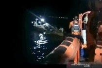 TNI AL-Basarnas selamatkan nelayan yang terombang-ambing di Bulukumba