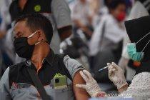 Vaksinasi COVID-19 untuk sopir transportasi umum Gresik