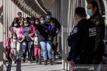 Texas cabut syarat pemakaian masker di sekolah, abaikan pedoman CDC AS