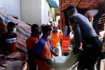 Pemkab distribusi sembako bagi warga terdampak gempa Halmahera Selatan