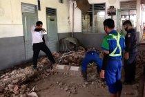 KAI ceritakan kejadian tembok runtuh di stasiun Pekalongan