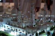 Peletakan batu pertama Masjid Raya Sheikh Zayed Solo