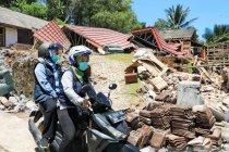 Gubernur Jatim naik motor tinjau lokasi terdampak gempa di Lumajang