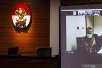Edhy Prabowo mengaku tak bersalah usai didakwa terima Rp25,75 miliar