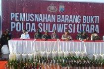 Polda Sulut memusnahkan barang bukti 16.185 liter minuman keras