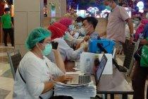 Dinkes Makassar: Petugas publik harus bawa 2 lansia untuk divaksin