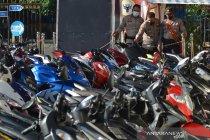 Puluhan motor disita polisi karena balap liar di Padang