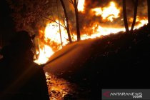 Kebakaran hebat di Gunungputri Bogor akibat sambaran petir