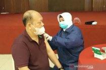 Pemkot Tasikmalaya vaksinasi ratusan lansia Tionghoa