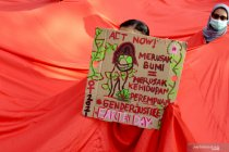 Aksi peringati Hari Bumi di Makassar