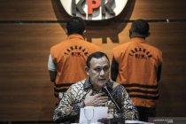 KPK tahan penyidik dan pengacara dalam kasus Wali Kota Tanjungbalai