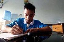 Cerita Sunardi berkuliah dari balik jeruji besi Rutan Palu