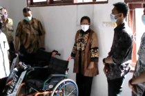Ke Makassar, Risma kunjungi disabiltas dan korban terorisme