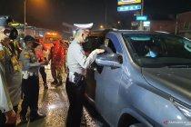 Puluhan kendaraan diputar balik di jalur perbatasan Tangerang
