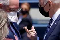CDC: Penerima vaksin lengkap tak perlu pakai masker di luar ruangan