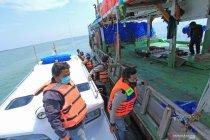 Penyekatan jalur laut di perairan Indramayu