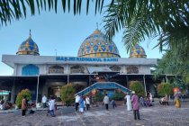 Muslim Papua di Teluk Bintuni gotong royong dirikan masjid