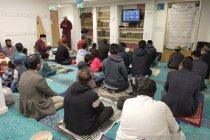 Masjid di Inggris gelar Sholat Idul Fitri dalam beberapa gelombang