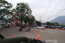 Arus kendaraan di jalur Bandung-Garut normal