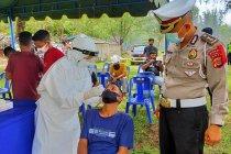 Ditlantas Polda Aceh tes antigen pengunjung pantai cegah COVID-19
