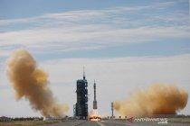Peluncuran Shenzou-12 China