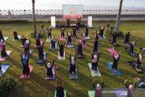 Peringatan Hari Yoga Internasional di Banyuwangi