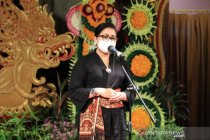 Dekranasda Bali ajak desainer gaungkan kembali tenun asli daerah