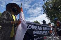 Warga Donggala aksi jalan kaki Donggala-Palu menuntut hunian tetap