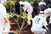 Tim Dekontaminasi Satgas COVID-19 Sleman kebumikan 16 jenazah