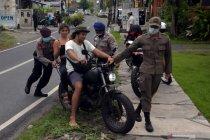 Operasi penertiban prokes di Bali