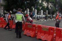 COVID-19 meningkat, Bandung tutup jalan utama di siang hari