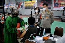 Polda Sumbar gelar vaksinasi COVID-19 massal di Padang