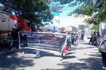 Aksi jalan kaki warga dari Donggala ke Palu tuntut huntap