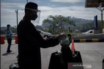 Strategi pengendalian COVID-19 Jawa-Bali direplikasi di wilayah lain