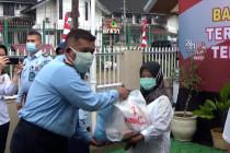 1.235 paket sembako bagi warga terdampak COVID-19